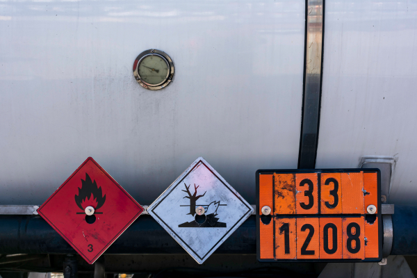 Vehicle dangerous goods shipping