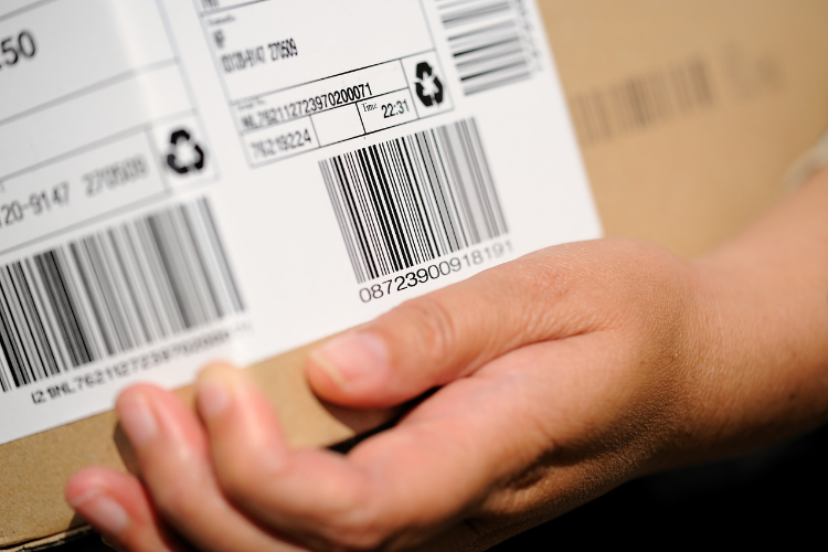 label on package tracking software